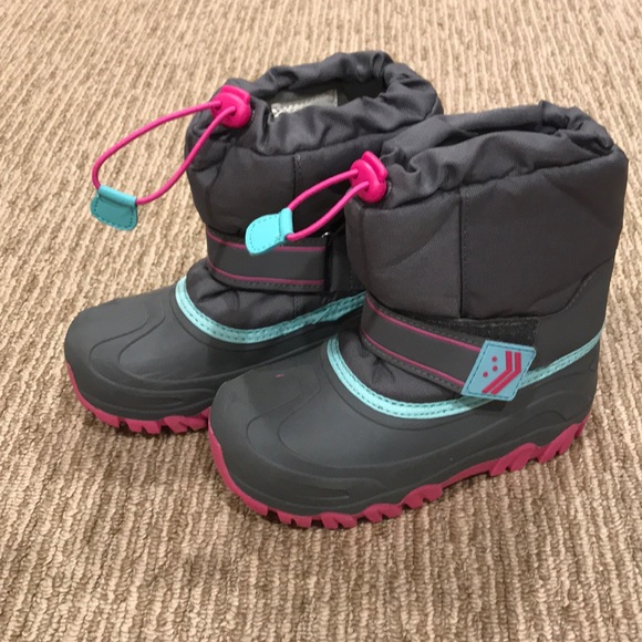 Target Shoes   Girls Snow Boots Size 13